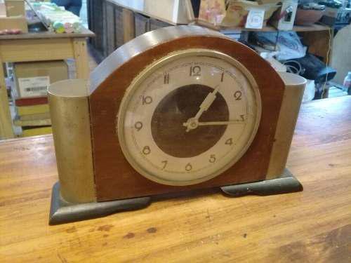 Antiguo Reloj De Mesa O Comoda Ancho 28 Alto 18 No Funciona