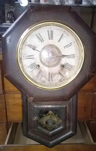 Antiguo Reloj De Pared A Péndulo Funcionando Circa 1900