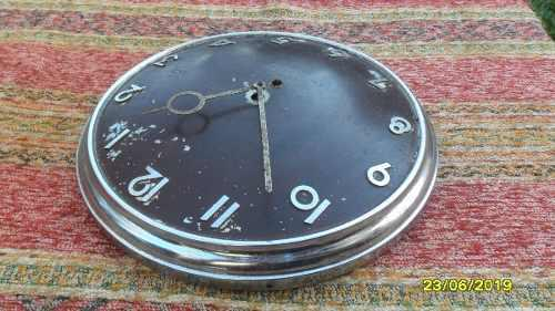 Antiguo Reloj De Pared En Metal Cromado Retro Sin Controlar