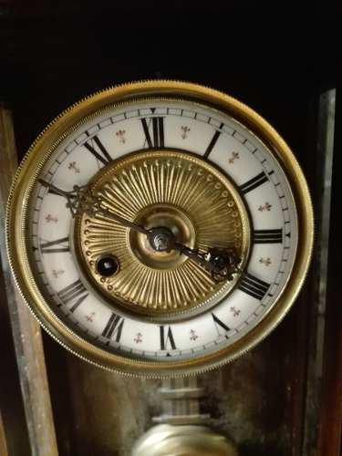 Antiguo Reloj De Pared Junghans Con Pendulo.