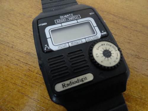 Antiguo Reloj Pulsera Con Radio Epoca Casio Jueguito Zwt
