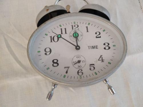 Reloj Despertador A Cuerda. Antiguo. Funciona