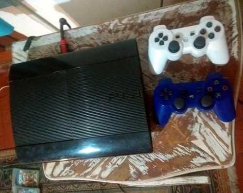 Playstation 3 Slim Con 2 Joystick Y 8 Juegos