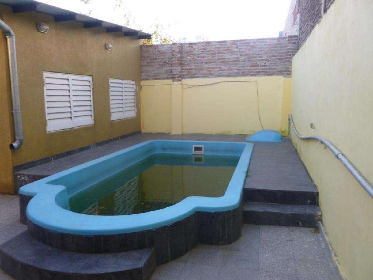 Hermosa Casa En Barrio Belgrano Con Piscina Y Quincho