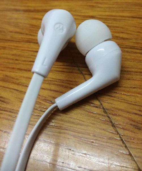 Auriculares Estereos con mic manos libres MPOTOROLA In ear