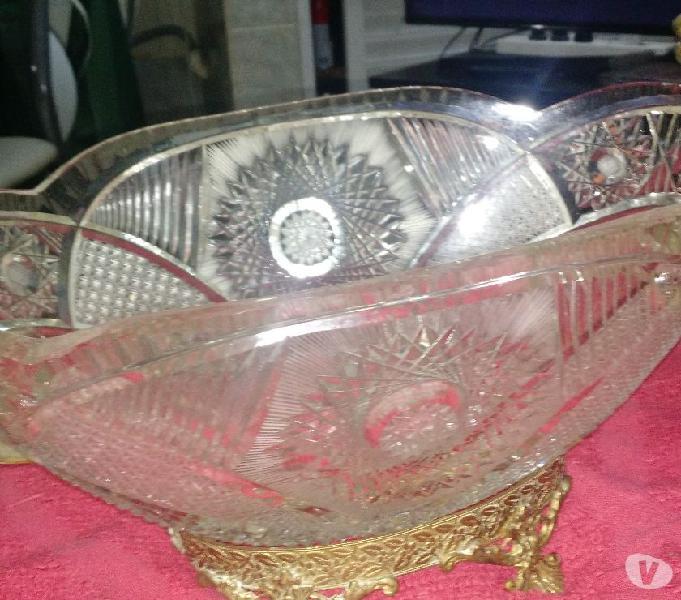 Vendo frutera antigua de cristal con soporte de bronce