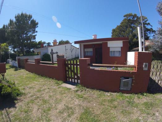 Venta dos casas mas depto (1201) en La Costa