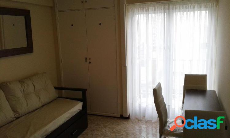 2 ambientes externo con balcon saliente
