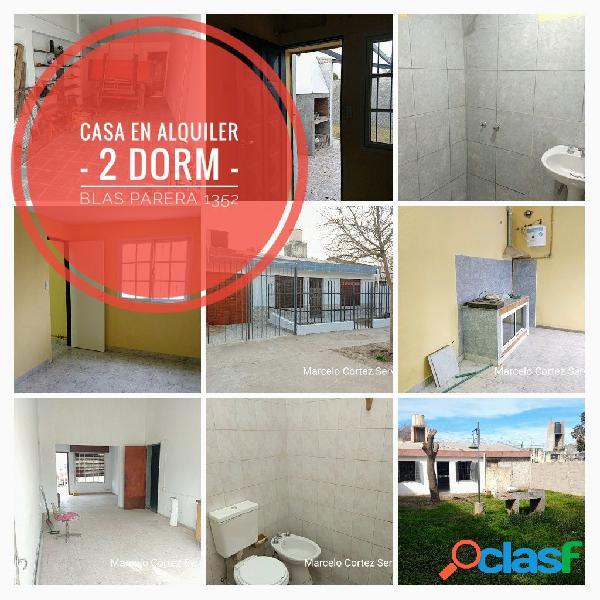 CASA EN ALQUILER - 2 DORMITORIOS - BLAS PARERA 1352