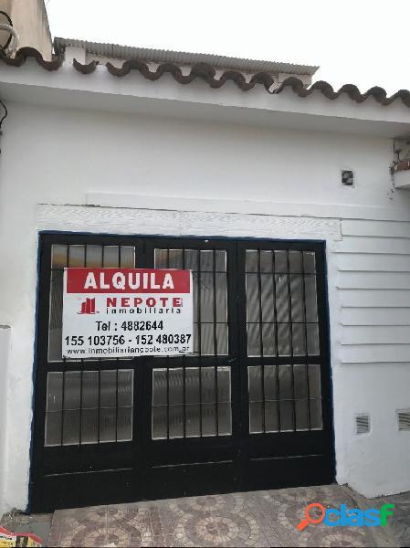 CASA EN ALQUILER VILLA CABRERA DOS DORMITORIOS