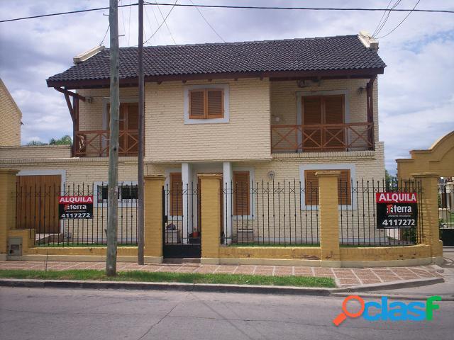 Casa en Alquiler - Barrio Granja de Funes