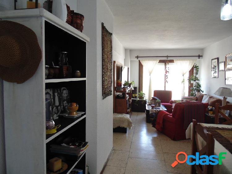 Corrientes 1600 Departamento de 3 ambientes a la calle