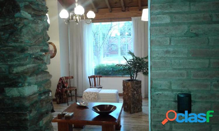VENDO casa en Barrio Olivos del fundador en excelentes
