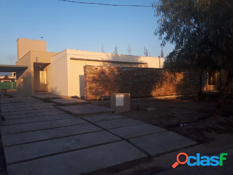 Venta de Casa en calle Ruta Provincial 60-Maipu