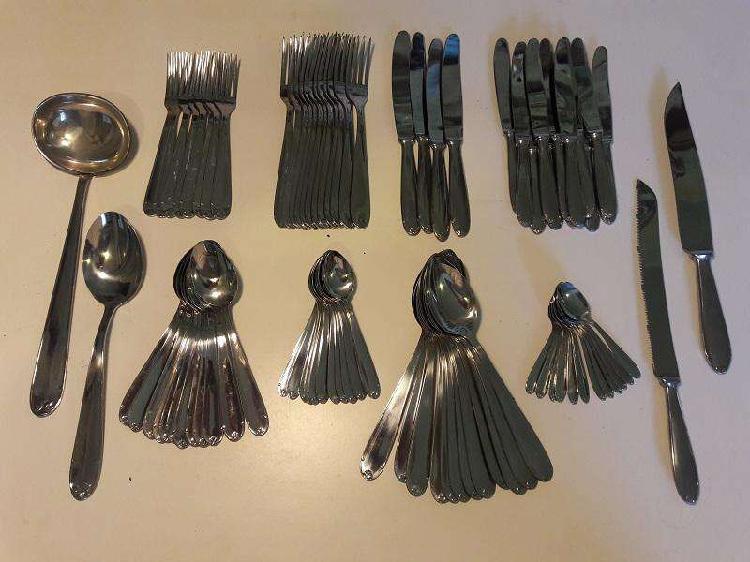 Juego de cubiertos o utensilios de cocina de acero