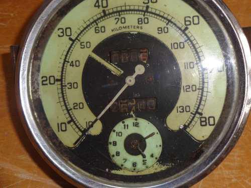 Antiguo Velocimetro Con Reloj De Automovil