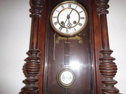 Reloj Antiguo De Pared Con Pendulo En Muy Buen Estado S/env