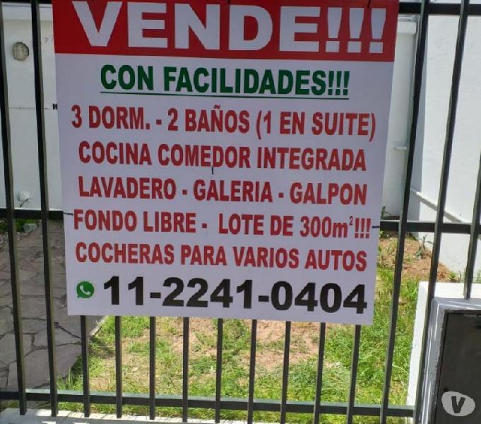 VENDO C FALICIDADES !CASA 3 DORM. 2 BAÑOS.FONDO LIBRE.OPORT