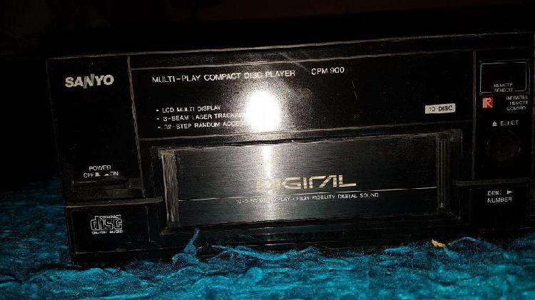 Reproductor de Cds Sanyo cpm 900 cds control remoto. Japón