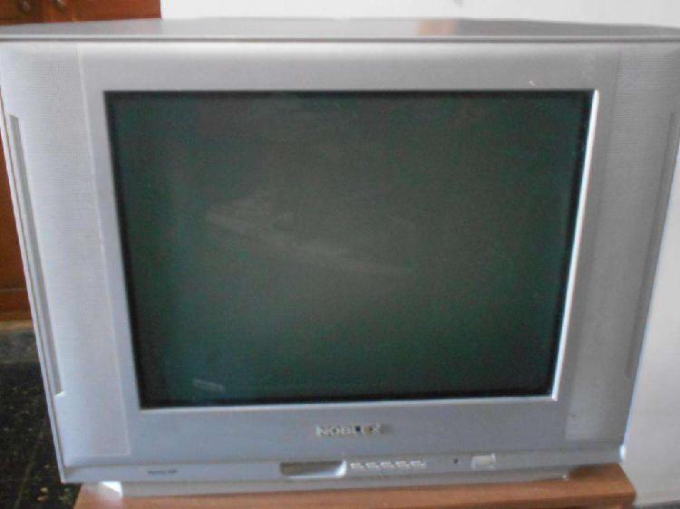 TV NOBLEX 21 PANTALLA PLANA con control remoto