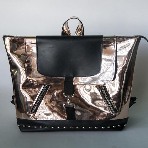 Busco taller de mochilas en simil cuero para producciones