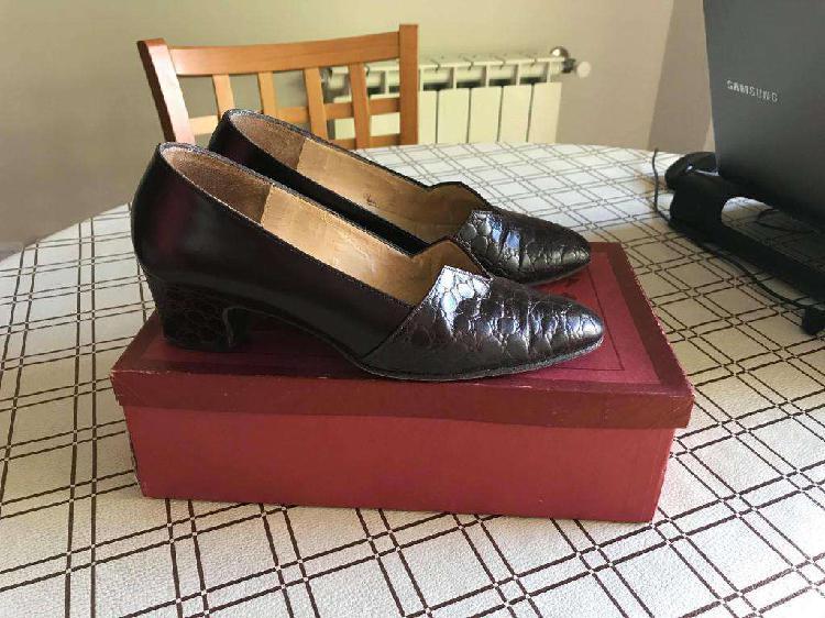 Zapatos de cuero número 36