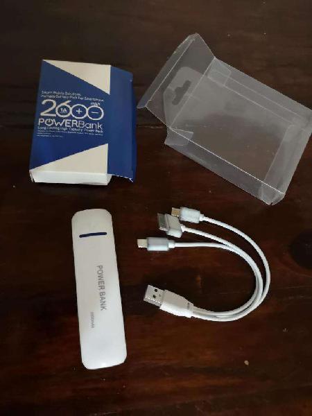 Vendo Cargador de celular portátil Power Bank 2600mah usado