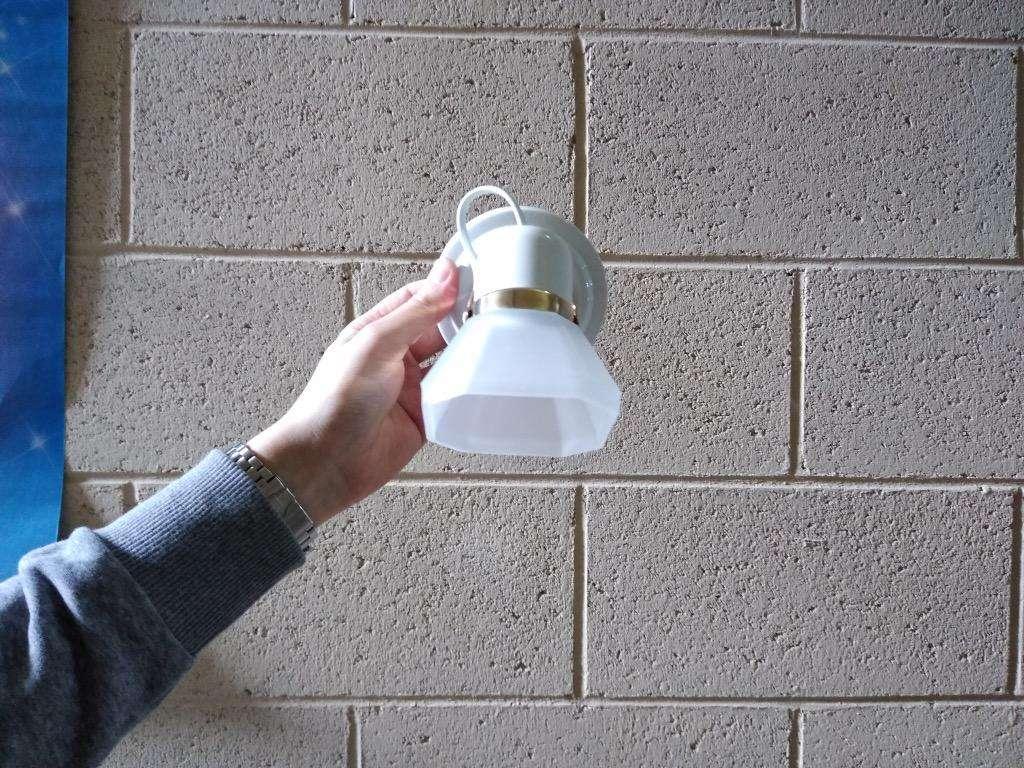Aplique de una luz para techo o pared