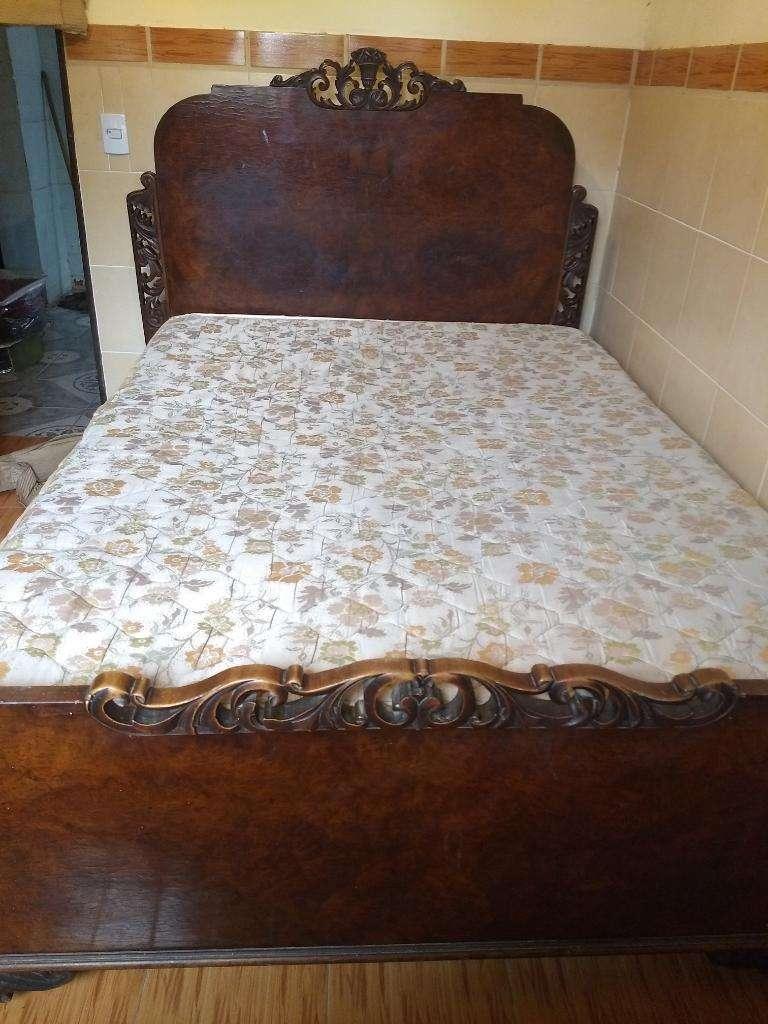Vendo Juego de Dormitorio Antiguo