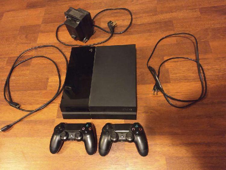 Playstation 4 con Dos Joysticks Y Juegos