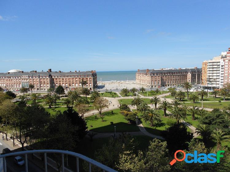 2 ambientes con vista a la Plaza Colón y al mar!!