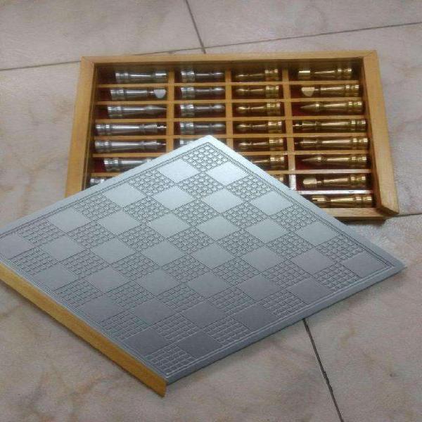 Juego de Ajedrez Bronca y Aluminio