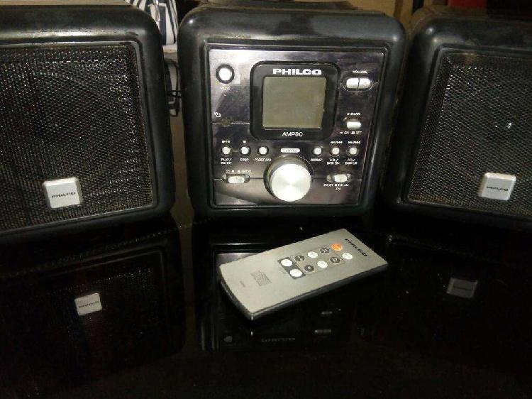 Equipo de Audio Philco con Detalle