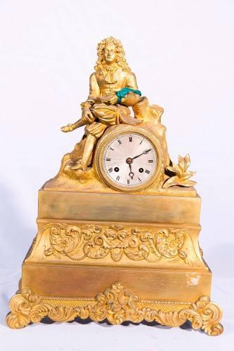 Antiguo Reloj De Bronce Y Petit Bronce.