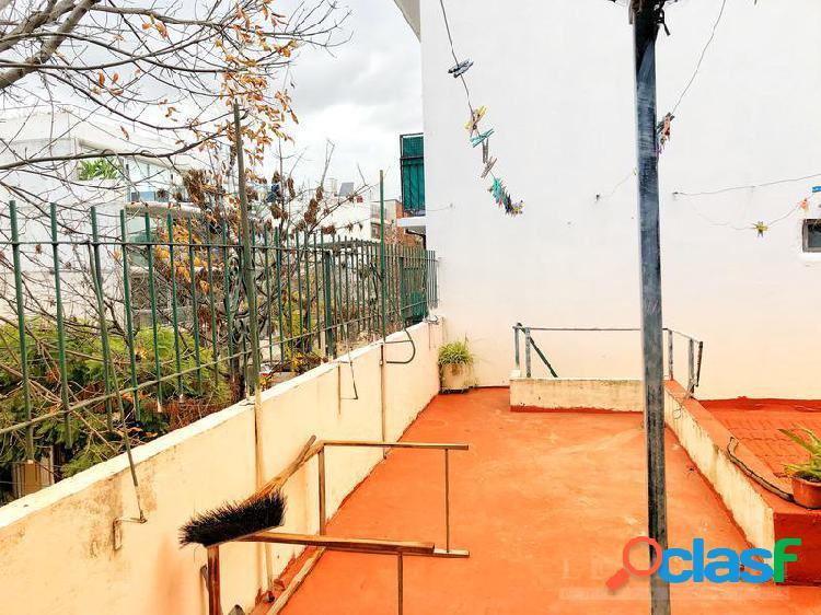 Departamento tipo casa con terraza y parrilla - sin expensas
