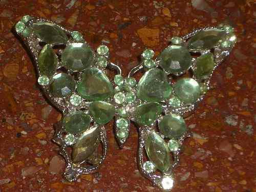 Antigua Mariposa De Metal Blanco Con Piedras Engarzadas