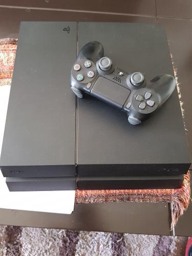 Consola Sony Ps4 500 Gb + 9 Juegos En Caja.