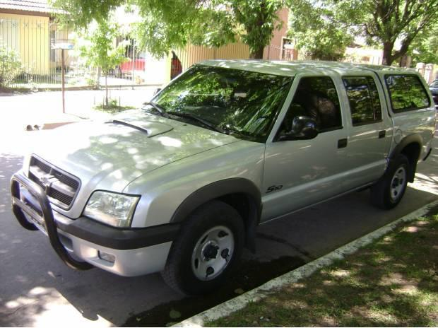 P.Up-Chevrolet S10-2006-140.mil km.-titular-c/cupula-$120000