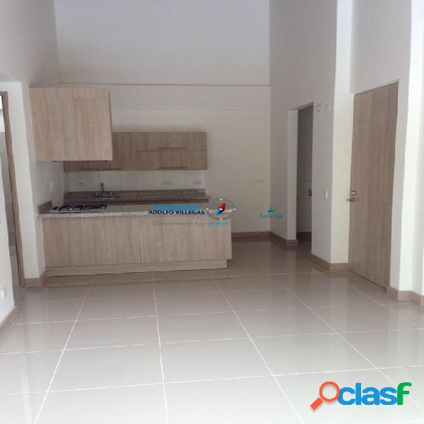 Apartamento para renta en unidad cerrada del Retiro 2652