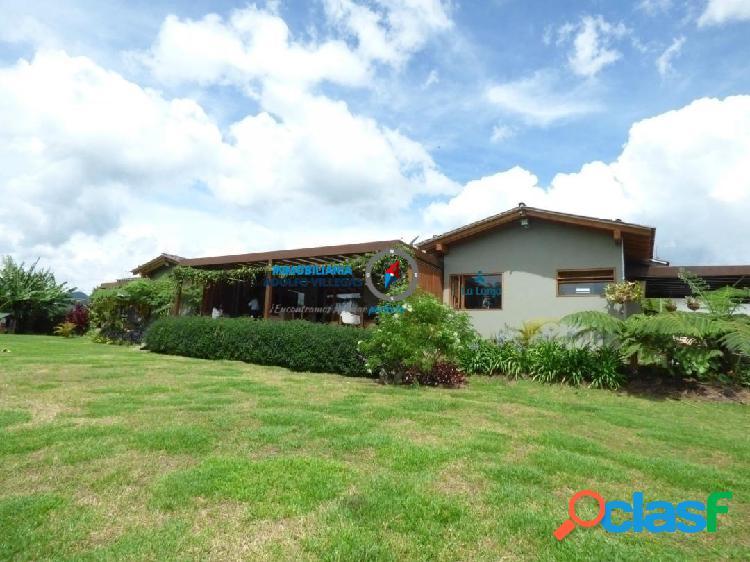 Casa para venta en la Ceja 2878