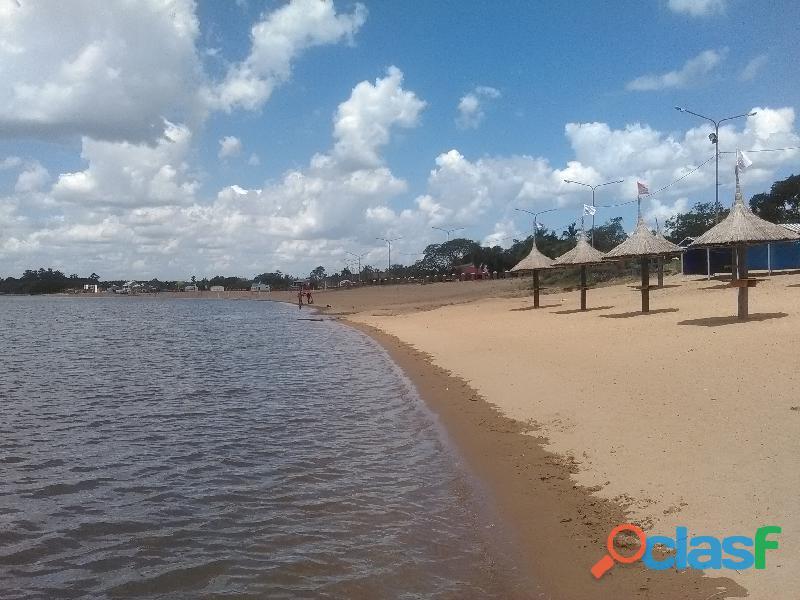 alquilo casas frente playa catamaran , paso de la patria
