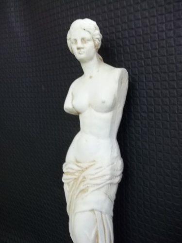 Estatua Venus De Milo, 65 Cm., En Cemento Y Leca - Exterior