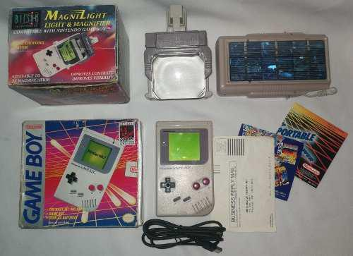 Consola Game Boy Dmg En Caja + Lupa Y Cargador Solar