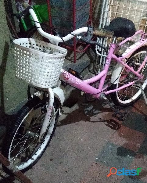 Bicicleta casi nueva muy poco uso niña rodado 12 color rosa