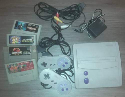 Consola Super Nintendo Con 2 Joystick + 4 Juegos
