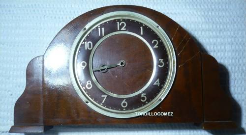 Reloj De Mesa Antiguo Sin Funcionar