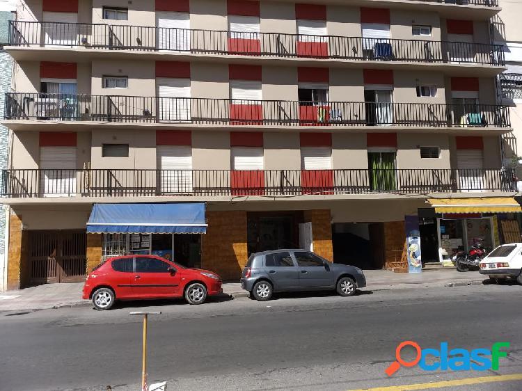 3 amb. al frente c/balcón y patio Las Heras y Alberti