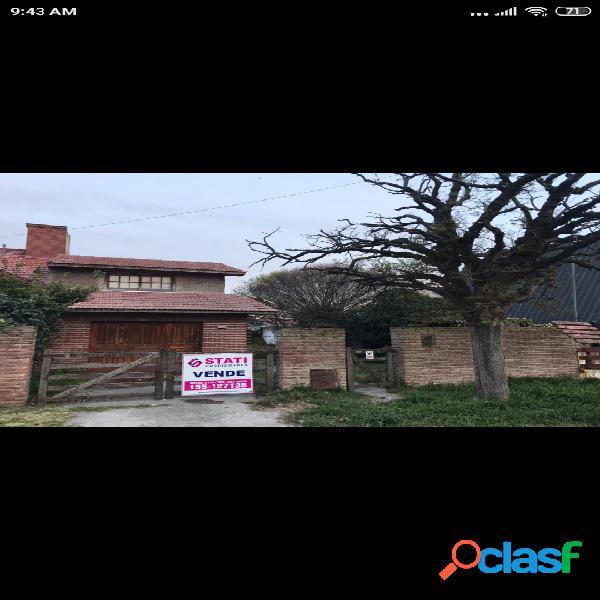 CASA TRES AMBIENTES CON GARAGE Y QUINCHO
