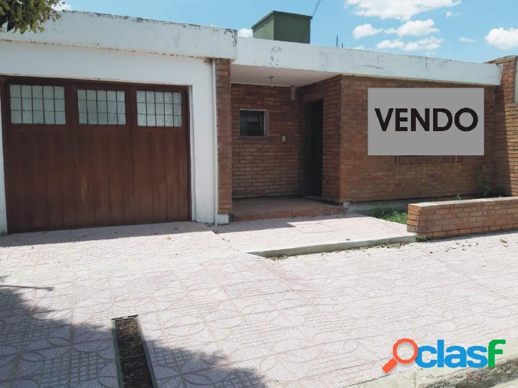 EXCEPCIONAL OPORTUNIDAD VENDO CASA 3 DORM, EN 1º DE MAYO