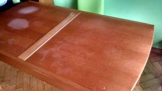 Vendo mesa rectagular mas 4 sillas en Belgrano
